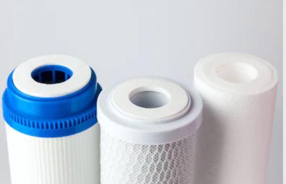 Los filtros de cartucho pueden tener diferentes configuraciones, destacando los filtros de cartucho enrollados, extruidos y plegados.